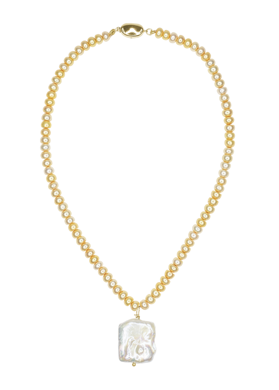 nata neckace by Timeless pearly